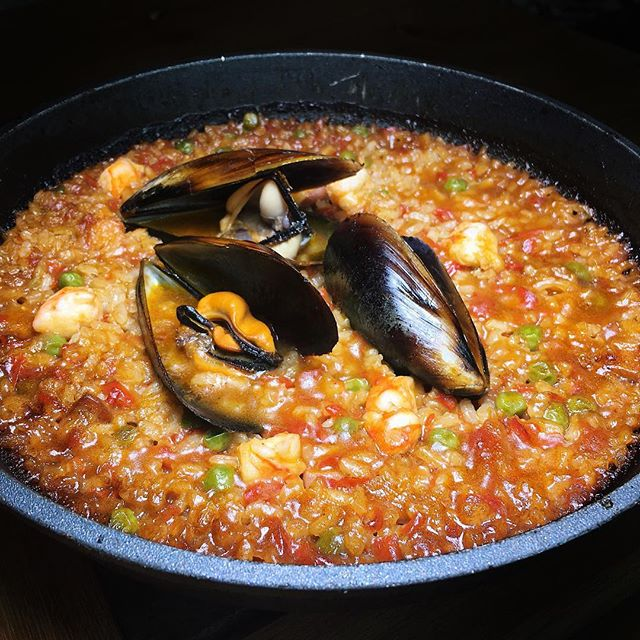 Charcoal seafood paella by Josper from Pura Brasa, a Spanish concept which recently opened its first Singapore outlet at Tanjong Pagar Centre.