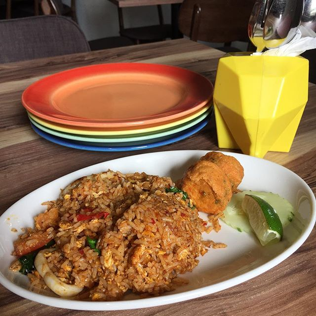 Tom Yam Fried Rice #thaifood #hometeamns #lunchset #burpple #burpplesg #cafesg #chillaxing #tomyam