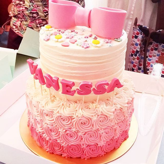 21st Birthday Cake by Vanessa Kou Burpple