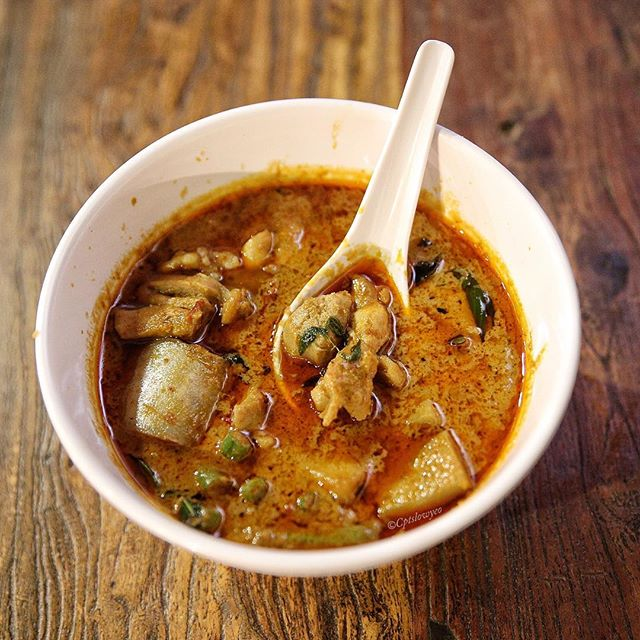 [FRoodie Alert]  Started as a humble hawker in Bukit Merah in 2012, JJ Thai Cuisine quickly registered on the radar of foodies all over Singapore for it's authentic and affordable Thai food.