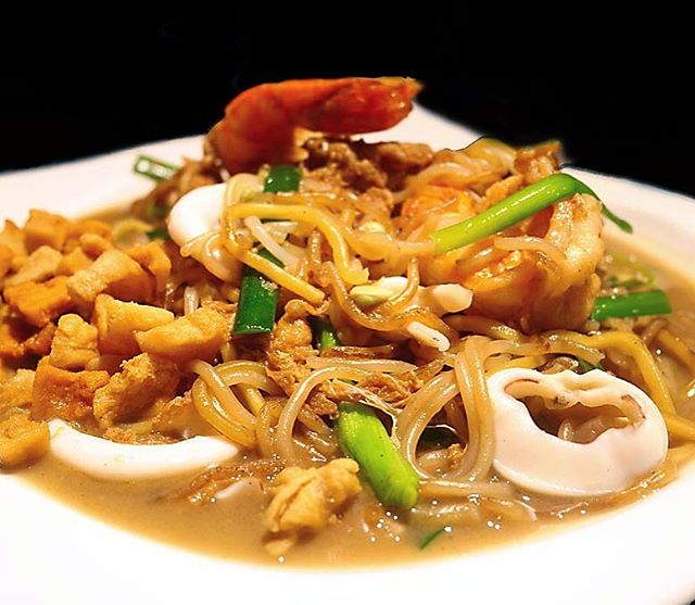 Fried Hokkien Mee ($15) cooked with at least 8-hour long broth prepared with prawns and pork.