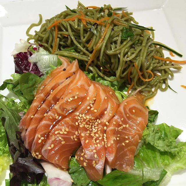 Healthy eats so good I'll be back #healthyeats #igsg #sgig #sgfood #sgfoodies #latergram #throwback #wheat #onerafflesplace #cbdlunch #hungrygowhere #burpple #straitstimeslife #cbdeats #foodvsco #vscocam