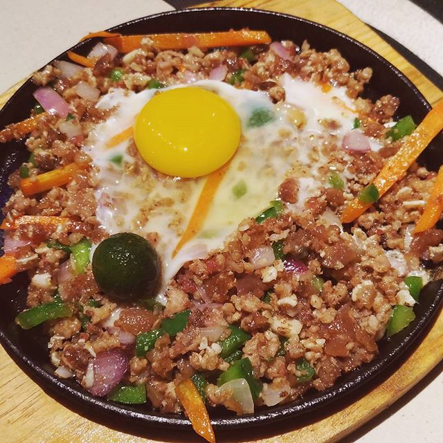Sizzling Sisig (3.8/5) Indeed a good choice.