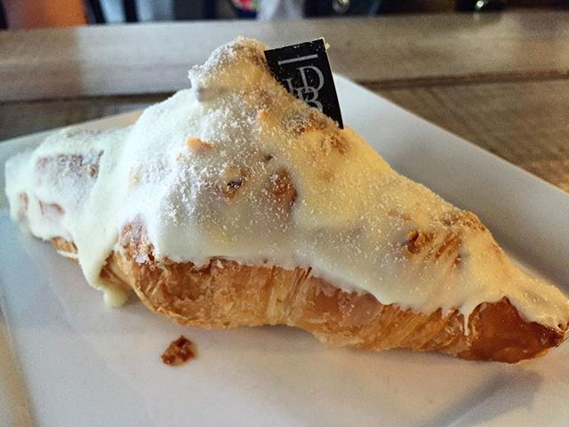 Durian and croissant...how to resist ?