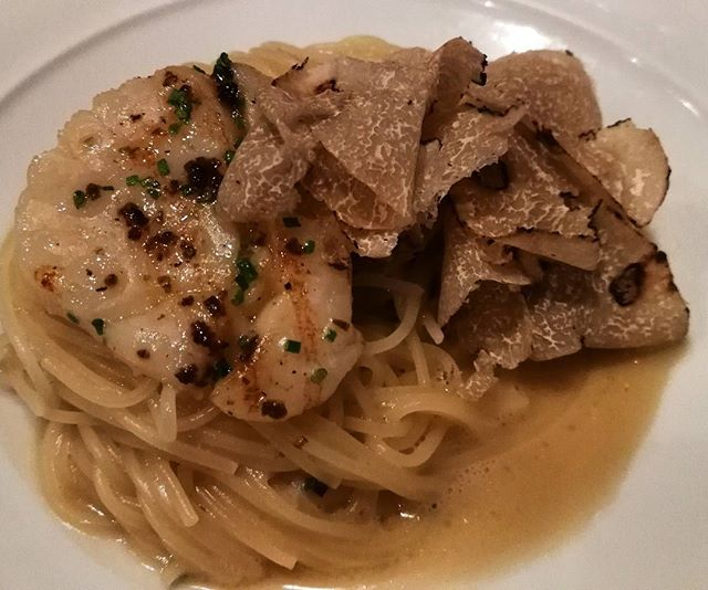 Gunther's special of the day - Hokkaido Scallops with Angel Hair Pasta in Light Butter Sauce and Shaved Truffles.