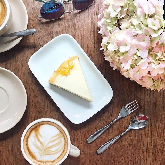 Sundaying ☕️🍰🌸 #tableandapron #sundayfunday #teatime #weekendfun