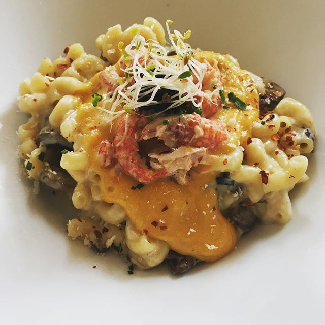 ~HYDE & CO~ [NEW] {Salted egg Crawfish Mac & Cheese} -  Initially I came back for their Nazz's Mac & Cheese and was delighted at the new creation of salted egg crawfish M&C.