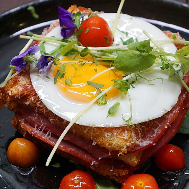 Croquet Madame ($18) Sophisticated & feminine version of the favourite French classic found at @Botanist.SG, lifting even the simplest ham & Gruyere cheese toasted brioche sandwich up to a gourmet status.
