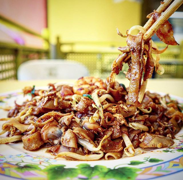 "Did you know this stall is also named ""Hill Street charkwayteow""?"