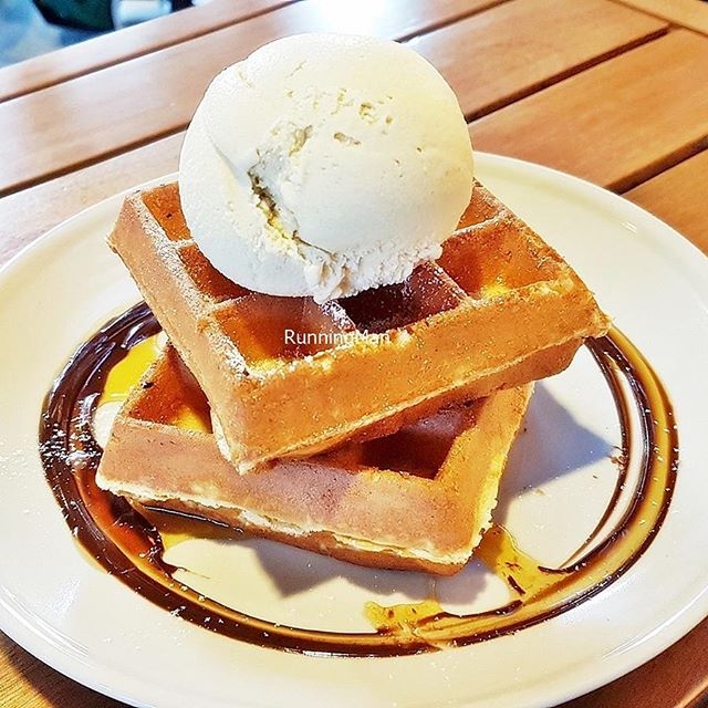 Waffles With Sea Salt Gula Melaka Ice Cream (SGD $9) @ Creamier.