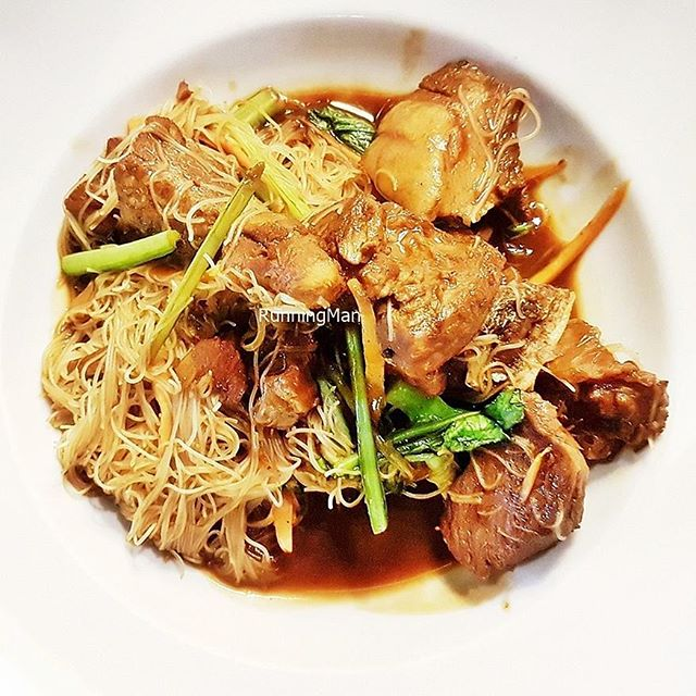 Pig Trotter Bee Hoon (SGD $6.90, lunch only) @ The Wine Company.