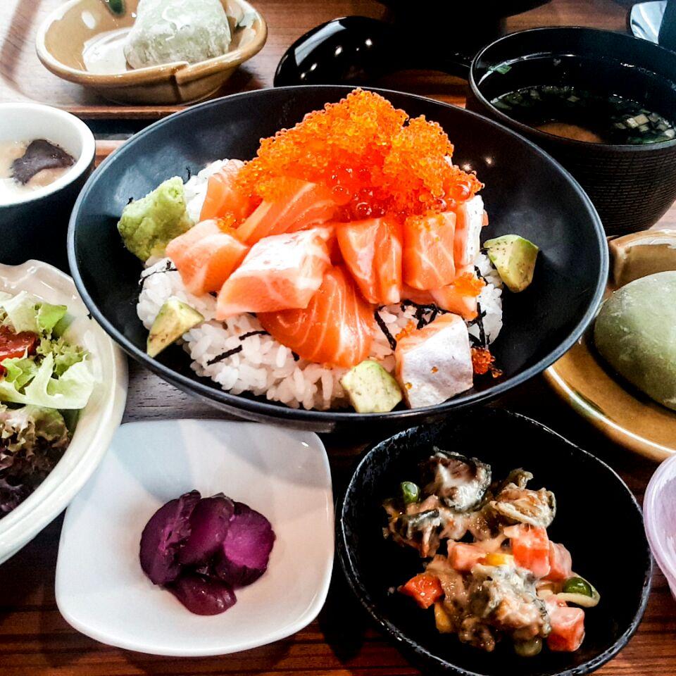 Salmon Ikura Don Lunch Set ($19.80)