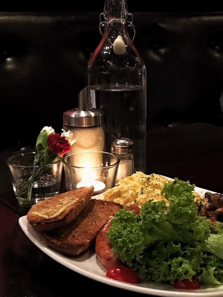 Romantic Breakfast For Dinner 🌹