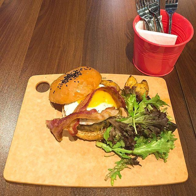 Ollie Kitchen Bar Singapore