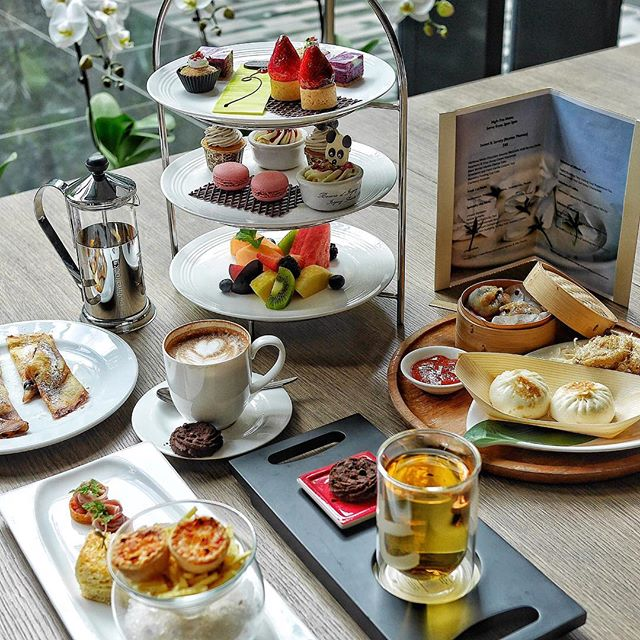 @cpchangiairport all-new Afternoon Tea set menu priced at only $48++ for 2 pax features savoury and sweet canapés complemented with Dilmah Tea's finest and most exclusive selection of the Dilmah t-Series.