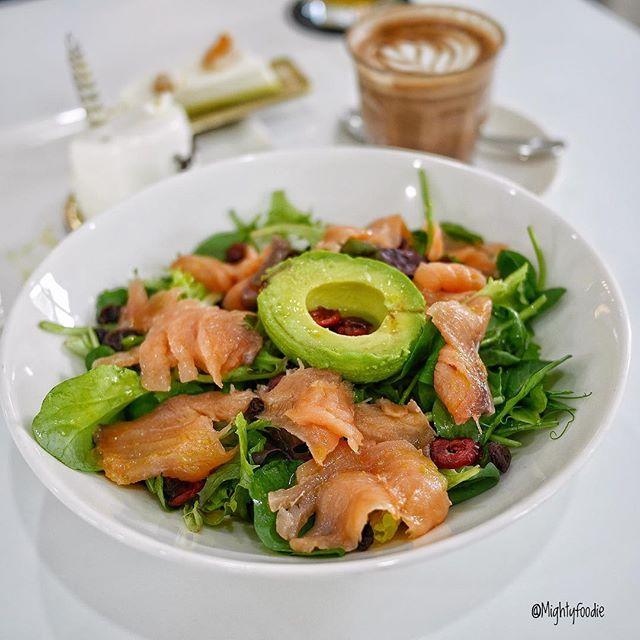Smoked Salmon Avocado Salad for breakfast?
