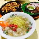 When I'm in the East at night, will always drop by Bedok 85 for my soupy Bak Chor mee and BBQ craving!