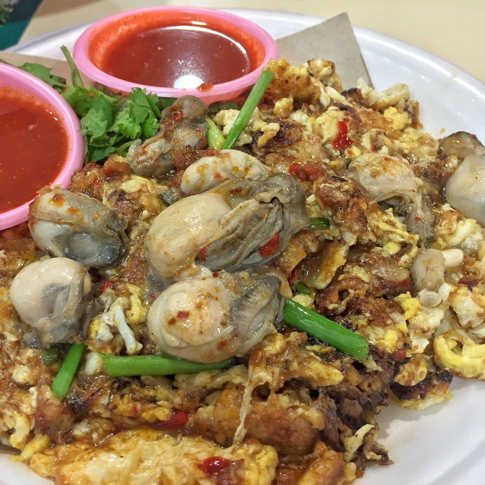 Lim's Fried Oyster ($5/8/10)