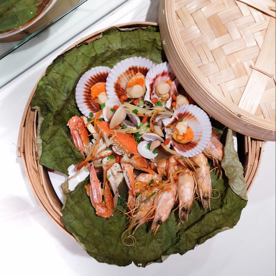 Steam Seafood with Cordycep Blossom In Lotus Leaves (CNY Buffet from 27 to 29 Jan at $68++ onwards)