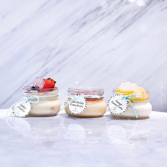 Desserts with Birds Nest ($8.90 each).