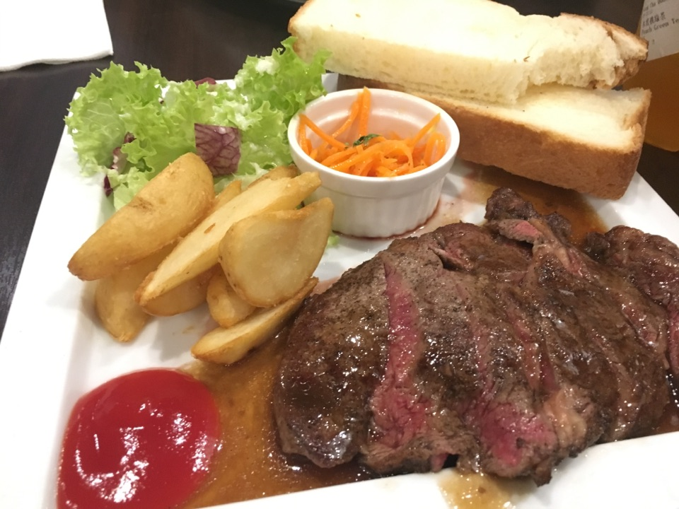 Angus Beef Steak Plate With Toast