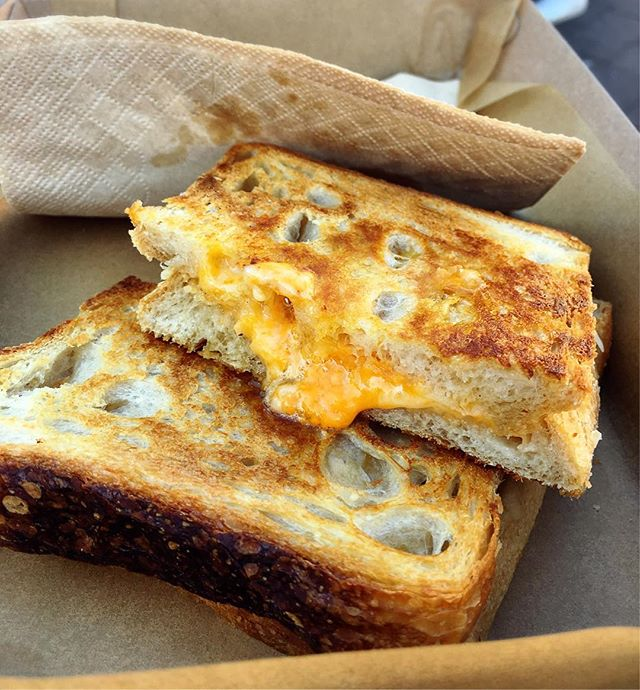 Been craving for a good cheesy toastie, and this yummy toastie with melted 4-cheese at the Manly weekend event was just awesome.