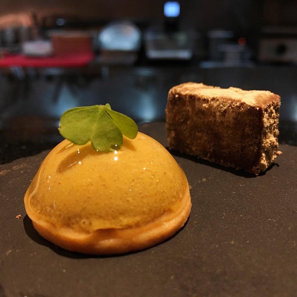Cinnamon Tart & Dark Chocolate