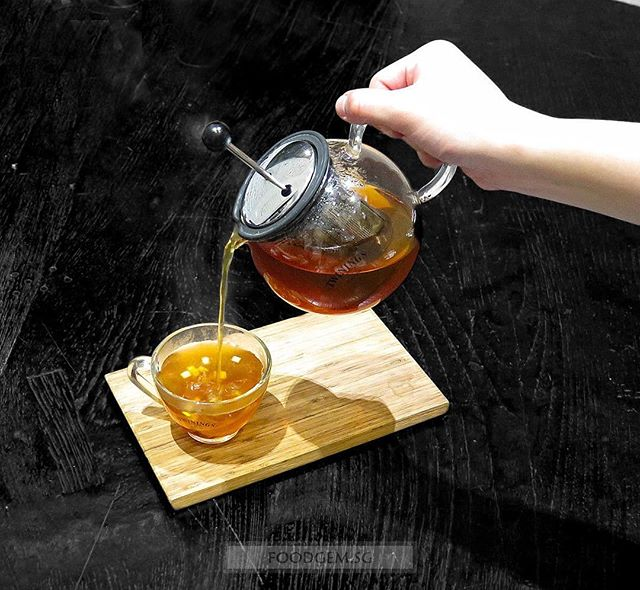 At first look, you might be wondering why are they serving tea when you did not order any.