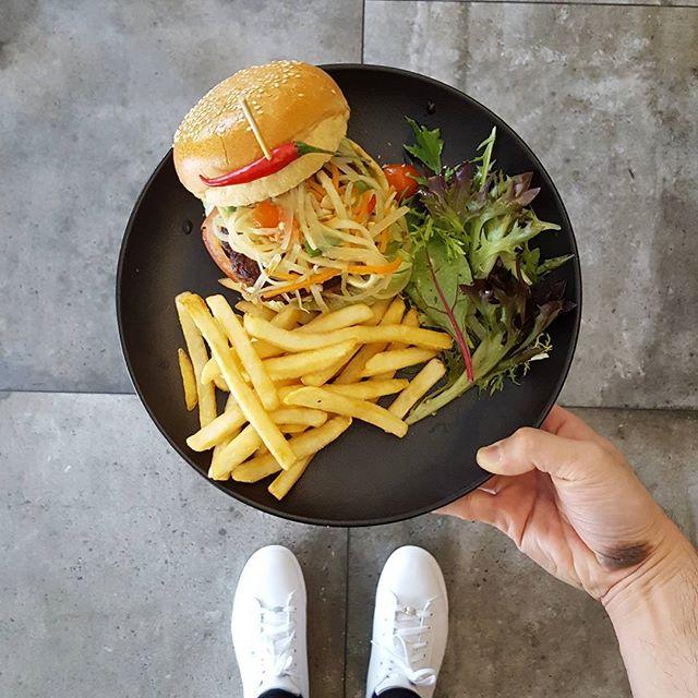 🍔🍔🍔🍔🍔🍔🍔 * Good morning burger * #twotalltreessg  #starvingfoodseeker #burpple #hungrysquad #foodstarz #videomasak #phaat #foodbossindia #losangeleseats #eatingnyc #damien_tc #singaporeinsiders #thisisinsiderfood #jktfoodbang #exploreflavours #asiafoodporn #feedthepanda #foodie #dailyfoodfeed #thisisinsider #thisisinsiderfood