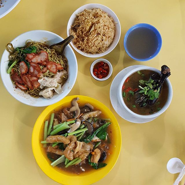 ❤❤❤❤❤❤❤ * Hawker food * Comfort food * Yummy food * #starvingfoodseeker #burpple #hungrysquad #foodstarz #videomasak #phaat #foodbossindia #losangeleseats #eatingnyc #damien_tc #singaporeinsiders #thisisinsiderfood #jktfoodbang #exploreflavours #asiafoodporn #feedthepanda #foodie #dailyfoodfeed #thisisinsider #thisisinsiderfood