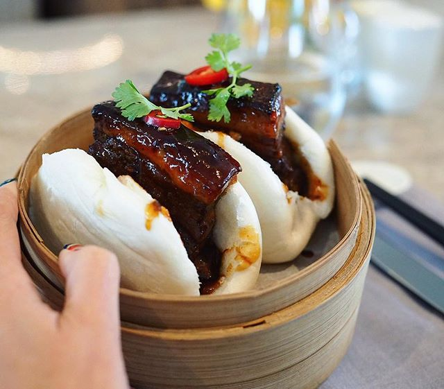 Very good Kong Ba Bao from @fullertonbayhotel Taste just like the home cooked ones 🤤🤤🤤 Their set lunch looks pretty decent too @$20-30++ for 2-3 course.