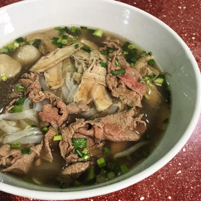 Special Combination Soup Noodle ($6, Pho Dac Biet)