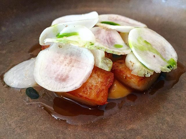 Cheek by Jowl - Appetiser : Roasted Scallops (Part of a 3 course 💵S$38 Lunch) : Corn | Fermented Prawn | Pickled Turnips.