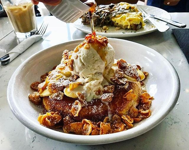Atlas CoffeeHouse - All Day Brunch - ATLAS Butterscotch Banana Pancake (💵S$18.50) Signature Fluffy Pancake served with Caramelised Banana & House-Made Butterscotch & Honey Comb Ice-Cream.