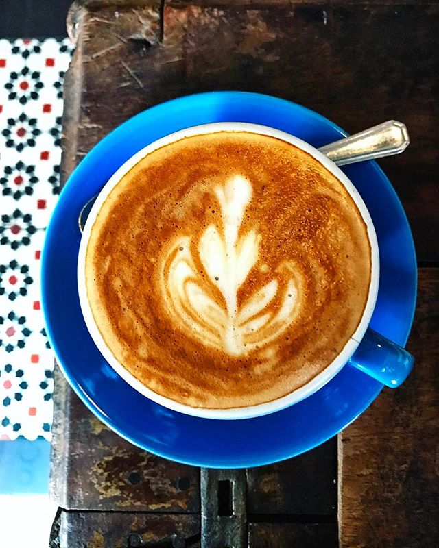 ACAMAS-DRINKS💮: I like my coffee with cream & my literature with optimism, dark humour & sex innuendos.