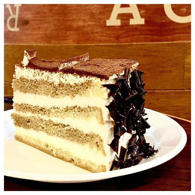 Tiramisu 🍰 One of the cake flavours I surely will choose when available in the menu.