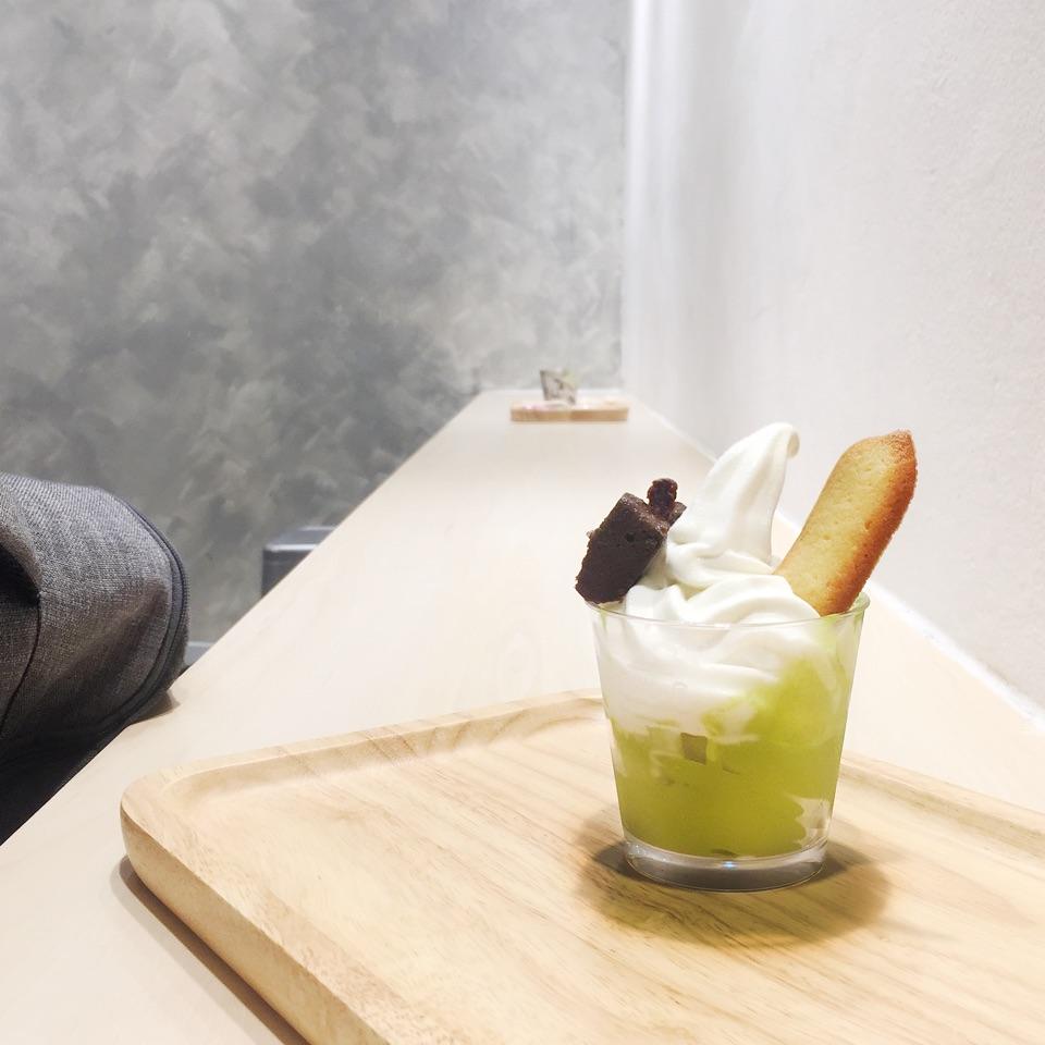 Mixed Softserve (Matcha + Hokkaido Milk)