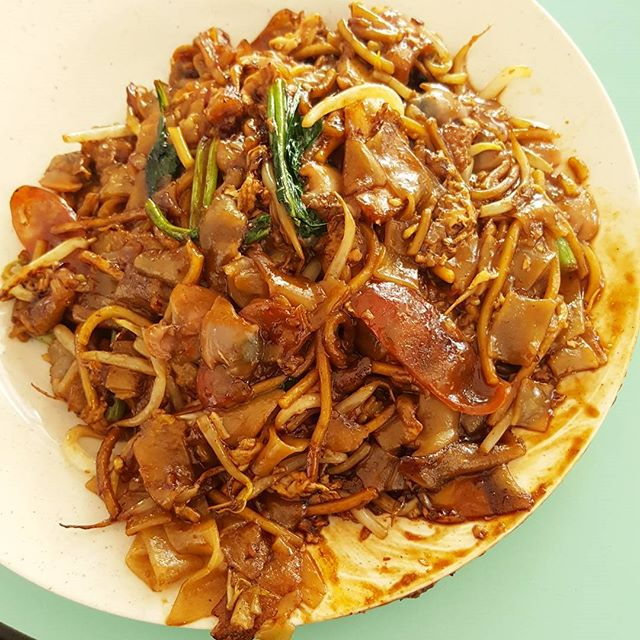 8🌟 / 10🌟 Yummy Char Kway Teow @ S$4 (medium) from Guan Kee Fried Kway Teow stall at Ghim Moh market.