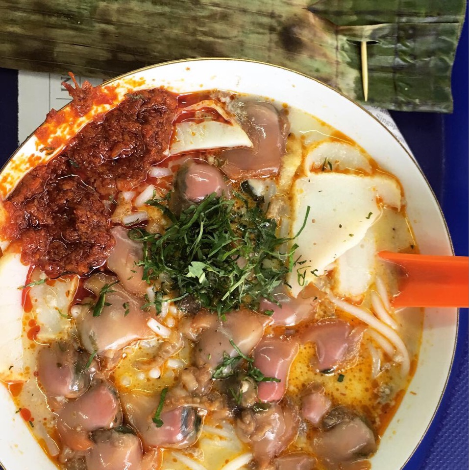 Laksa With LOTS OF HUM