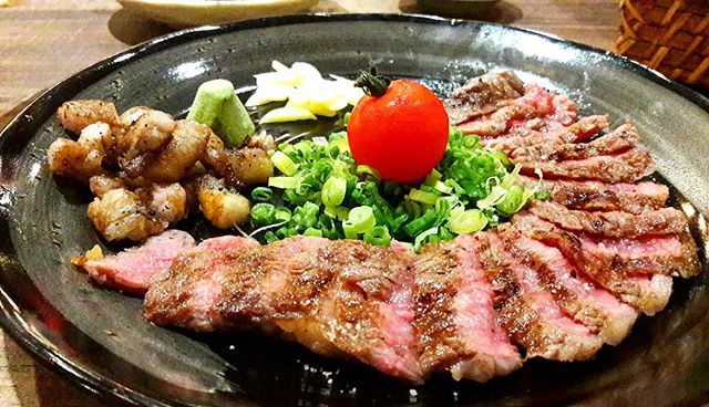 Wagyu Beef Rosu (SGD$32.00) - charcoal-grilled wagyu beef served with spring onions and a nectarous vine tomato.
