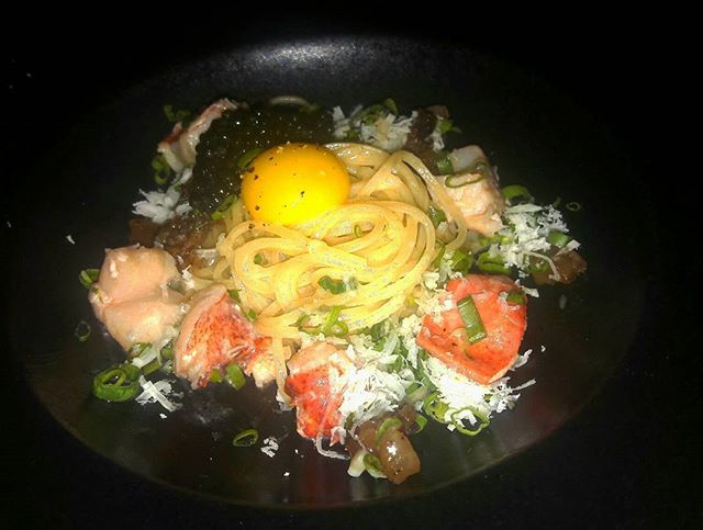 Lobster Tagliolini (SGD$48.00), beautifully delicate in taste - a colourful arrangement made up of springy pasta, bouncy lobster chunks, quail egg, Valetta and Sturia caviar, a decadent dish that orchestrated a delightful dance in the waiting palate.