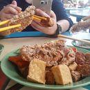 Lao Zhong Zhong Fine Spice Stall 老中中五香酥虾饼