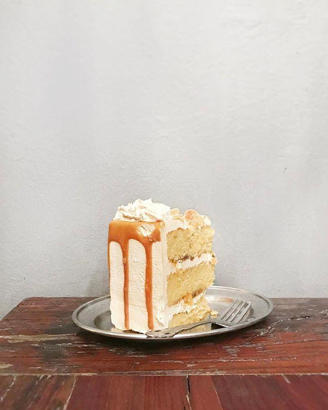 Salted caramel cake.