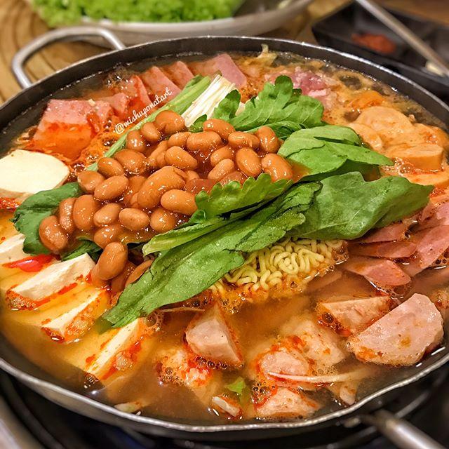 Shiok army stew with shiok company!