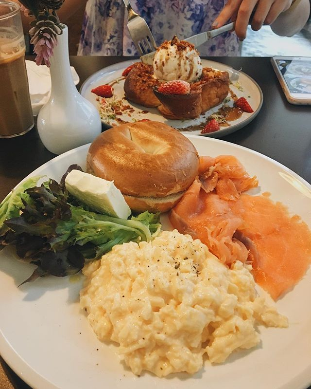 Last Sunday's brunch situation with my bestie at Selfish Gene 😛 I had the B.S.E ($16) (which probably stands for bagel, salmon and eggs...