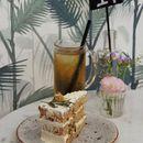 Shop Wonderland Cafe & Floral Studio