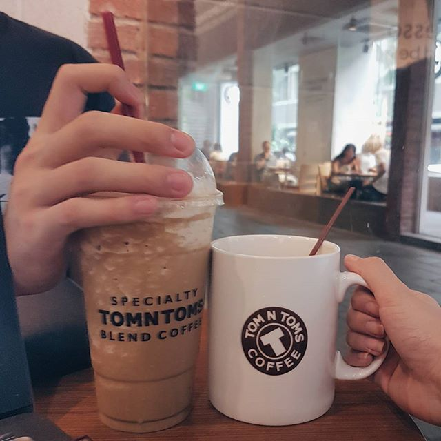 📍 Tom N Toms12 Gopeng St Icon Village⚊Kae's Espresso Tomnccino ($7.40) was not very sweet along with the sweetness in bitterness.