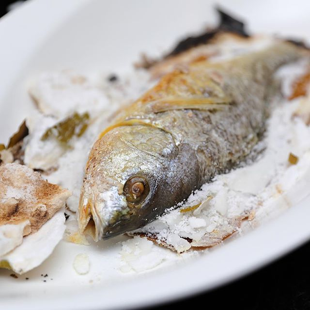 [Restaurant HOME] - Baked Golden Snapper Fish with Sea Salt ($7/100gram).