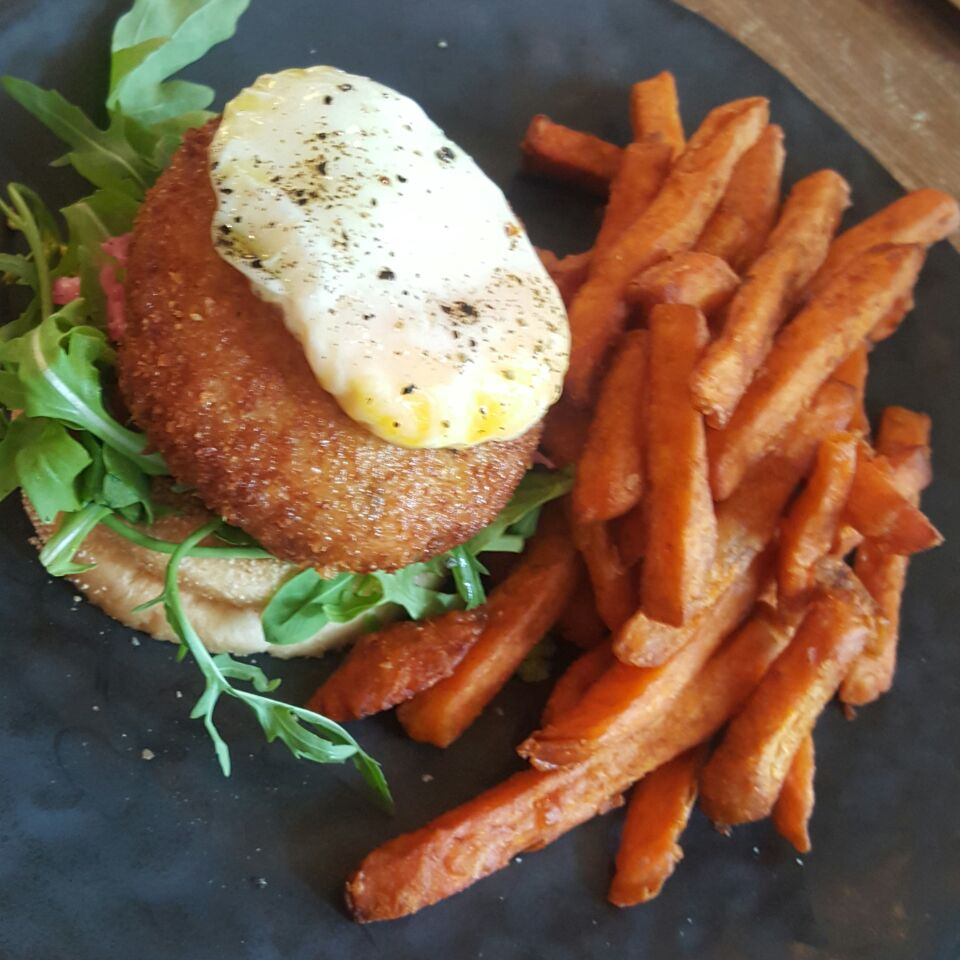 Crab Cake With Sweet Potato Fries