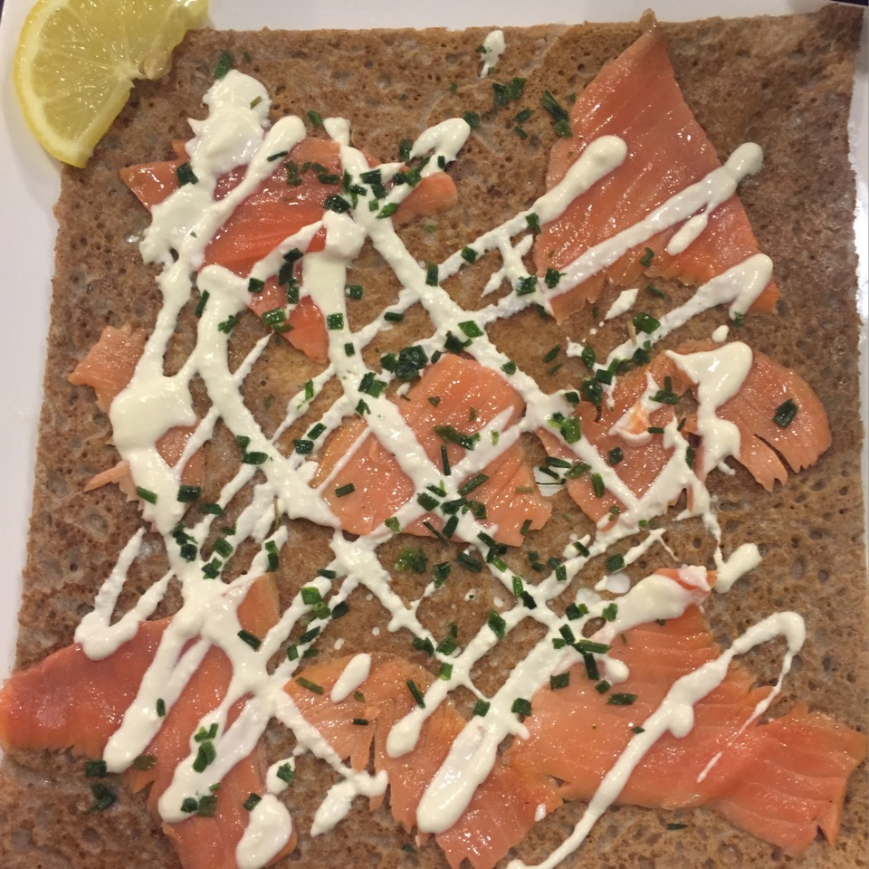 La Aiz (Buckwheat Crepe With Smoked Salmon, Sour Cream And Chives ($20.90)